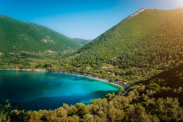 antisamos-beach-on-kefalonia-island-greece-crystal-MTMEL5M