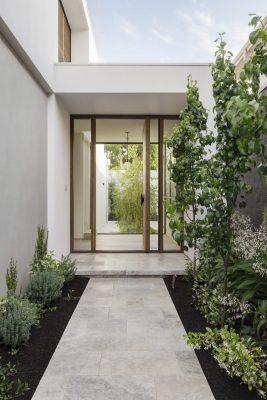 architectural-house-exterior-door-5X9DUPV (1)