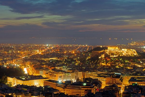 the-center-of-athens-after-sunset-PF8A7TU