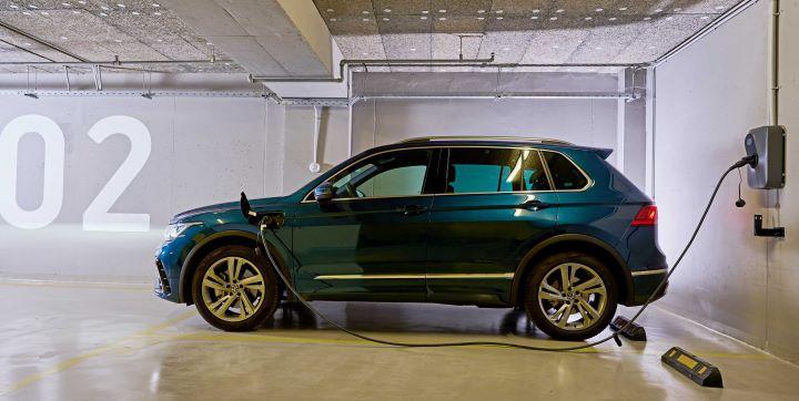 cosmote_hybrid_cars