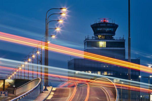 road-to-airport-HBFG5MV